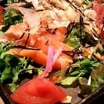 ウメ子の家 - お刺身サラダ