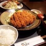 かつふじ - ジャンボロースカツ定食