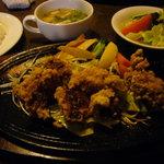 紅屋 - 2009.2 日替わりランチ~「鶏の唐揚げ&野菜炒め添え」