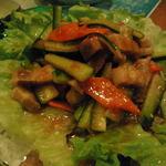 あしびなー  - 三枚肉のピリ辛サラダ650円