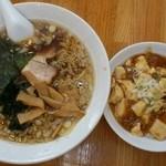 中華 芝苑 - 金曜限定Dセット(ラーメン+マーボー丼)500円