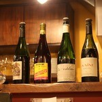 Deux Cochons - この日のお勧めグラスワインが。4種類。