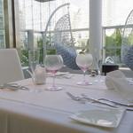 リストランテ ウミリア - 綺麗なカトラリーやグラスがより美味しさを引き立てます。