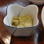 知味笑龍 深澤ラーメン - チャーハンについてくるザーサイ・スープもつきます