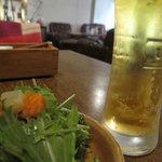 12979656 - ビール&サラダ