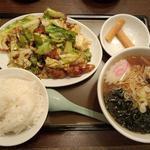 華蓮 - ホイコーロー定食