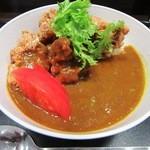 諏訪湖サービスエリア上り線 ブライトンフードコート - 唐揚げカレー丼¥600