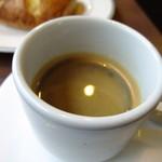 ブックオフカフェ 白金台店 - エスプレッソはブラックで。