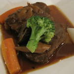 ガストロノミーギンカ - 柔らか~い♪国産牛ホホ肉の煮込み マデラ酒ソース