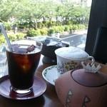 スイート・ママ - アイスコーヒーとカフェラテ 可愛いシュガーポット