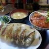 どん - 料理写真:餃子&鮪漬け丼