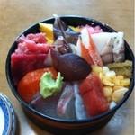 寿司芳 - 並ちらし寿司:1050円