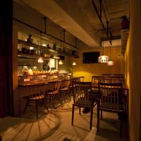 深夜カリー Gorgo - 落ち着いた店内でゆったりとしたお食事をお楽しみ下さい。