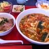 中国料理 くらぽ - 料理写真:レディースセット(酸辣湯麺とミニチャーシュー丼)