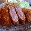 とんかつ林家 - 料理写真:芳寿豚のロースかつ定食(150g)です。山形県産の塩「月の雫」でお召し上がりください。