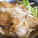 ちんばた - 豚みそ丼大盛り900円