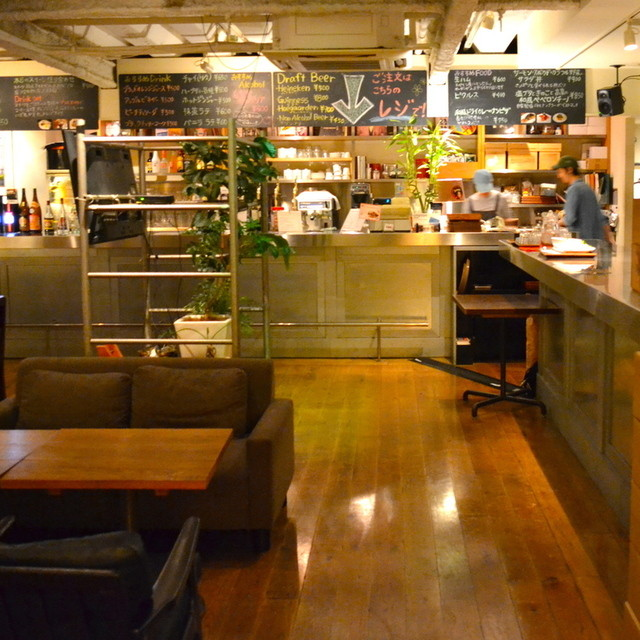 恵比寿 Time Out Cafe&Diner>