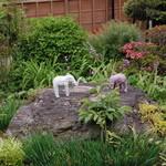 タイショウ - 庭に象。