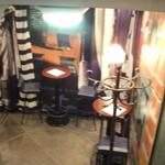 銀座 SESTO - 前室のスタンディングルーム