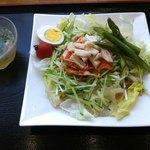うどん喜多夢楽 - ホタテとキムチのピリ辛 夏野菜