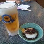 千壽 - 生ビールとお通し(大根の煮物のトロロ掛け)