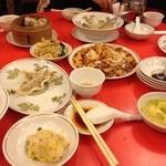 龍苑 - 色々な料理があり、昔ながらの味です。