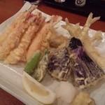 魚金 - 海の幸の天プラ盛り(748円)