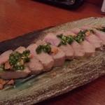 魚金 - まぐろのレアステーキ(748円)