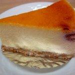 ロカシカカフェ - テイクアウトした、ラズベリーとホワイトチョコのチーズケーキ