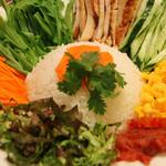 サイゴン・レストラン - ベトナム古都の冥府ライス