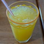 konditorei ホルガー - オレンジジュース(ケーキセットとしてオーダー、単品では\300、2012年6月)