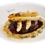 ルグドゥノム ブション リヨネ - 牛フィレのポワレ モリーユ茸とホワイトアスパラのグリル