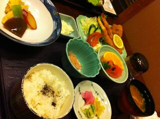 梅若寿し - 海老フライ御膳 (1570円)