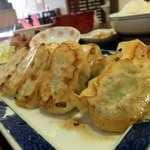チャイナ食堂かしん - 焼き餃子のアップ写真