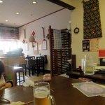 チャイナ食堂かしん - 席は座敷(2席)とテーブルがあります