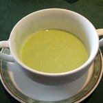 ビ アバンス - スープ(冷たいグリンピースのスープ)