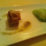 13466141 - 豚肉と鳥のリエット、レタスと白身魚
