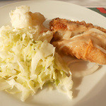 ヴォーノ・イタリア - ポテトサラダとキャベツと白身魚