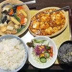 三華 - 料理写真:二品選べる中華セット(イカと海老,帆立の塩味炒め + マーボー豆腐;ご飯大盛り)