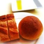 ラ・エテルニータ - バケットとトマトのパン