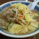 ラーメン本気 - 料理写真:カツオ・昆布出汁ベースのスープが特徴の彦根チャンポン。スープに酢を入れて味に変化を加えるのが定番です。