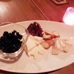 ファッジ - おつまみ。黒豆が美味しい!