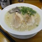 仁 - 料理写真:とんこつラーメン