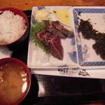 ひろめ市場 - 塩カツオのたたき定食890円