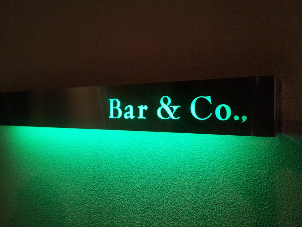 Bar&Co.,