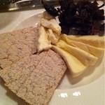割烹 なり田 - チーズ盛り合わせ