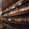 エムズ バー アンド カッフェ - 料理写真:約1000本のシングルモルト