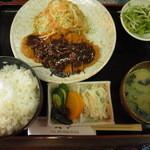 一文字 - 料理写真:味噌カツ定食 800円