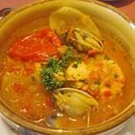 赤坂スペインクラブ アラ - 魚料理(サーモンと浅利の漁師風)