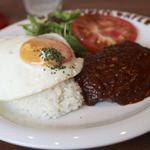 ドッグデプト・カフェ - ロコモコ風ハンバーグデミグラスソース